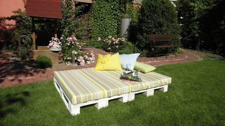 ausklappbare Gartenliege aus Paletten von WOHNIDEEN Lebedies | homify