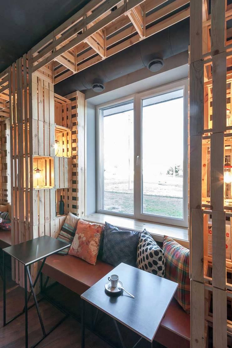 Кофе-бар <q>Пенка</q>: Столовые комнаты в . Автор – EUGENE MESHCHERUK   |  architecture & interiors,