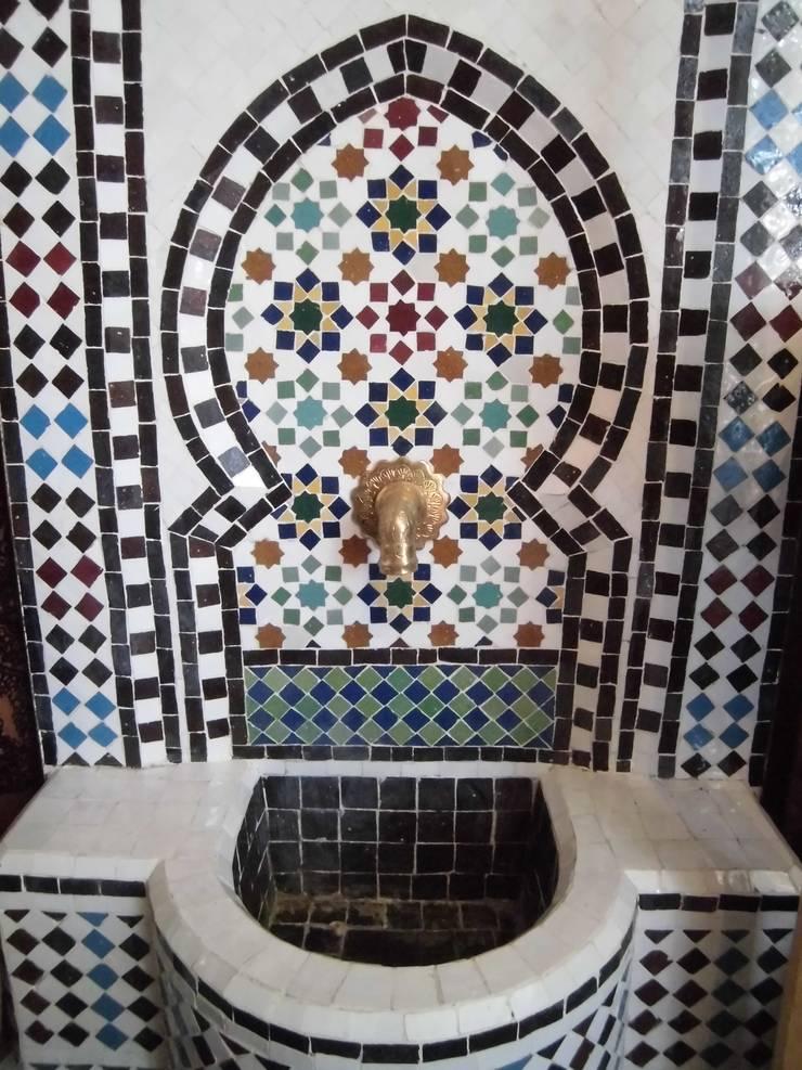 Mozaiekfontein:  Balkon, veranda & terras door El Kantra