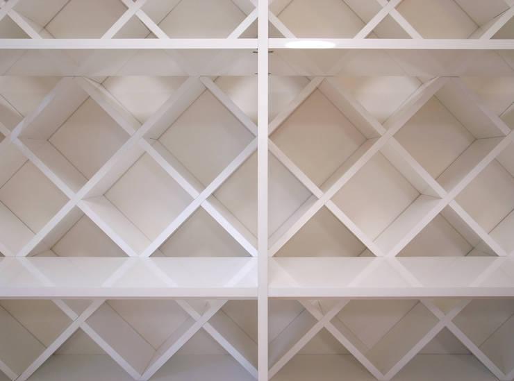 西葛西のリノベーション : 高田博章建築設計が手掛けた壁です。,