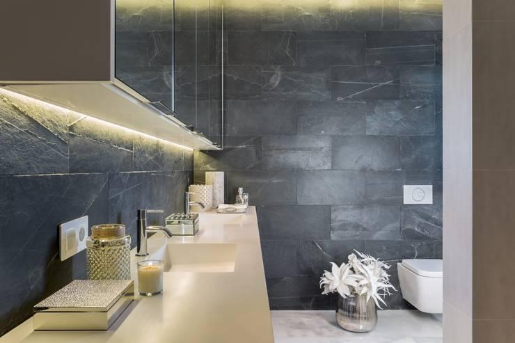 Banheiros mediterrâneos por Laura Yerpes Estudio de Interiorismo