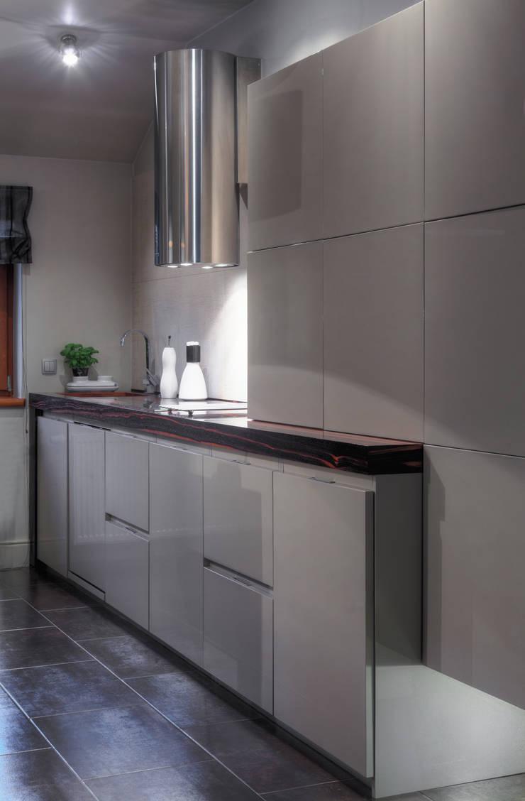 Dom w Pruszowicach : styl , w kategorii Kuchnia zaprojektowany przez Jeżewska & Zakrawacz