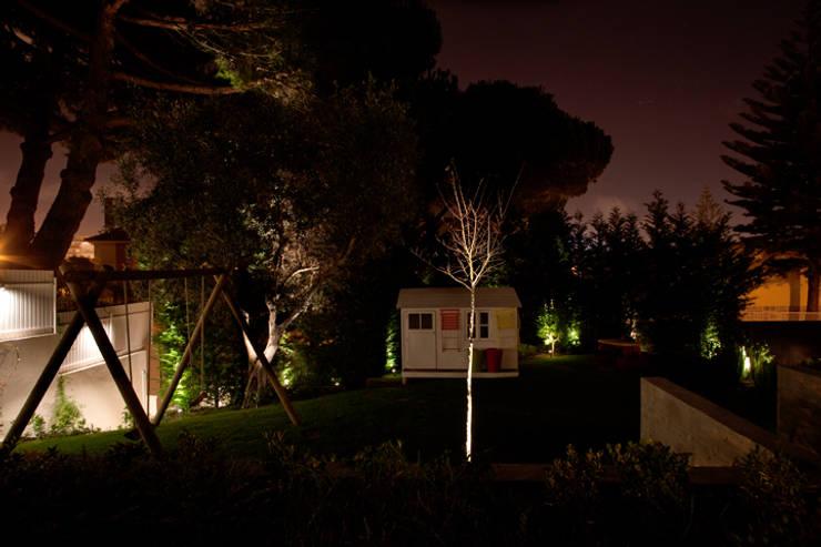 Exteriores Moradia ML – Restelo: Jardins  por Visual Stimuli