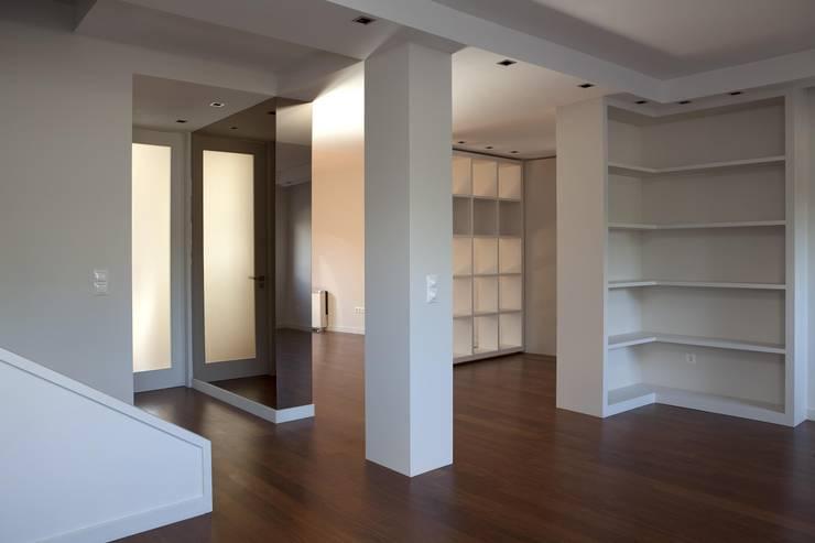 Remodelação Interior Moradia Uni Familiar:   por Lendas e Detalhes, Lda