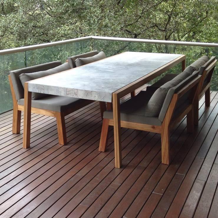 Versión M: Balcones y terrazas de estilo  por VERSION M