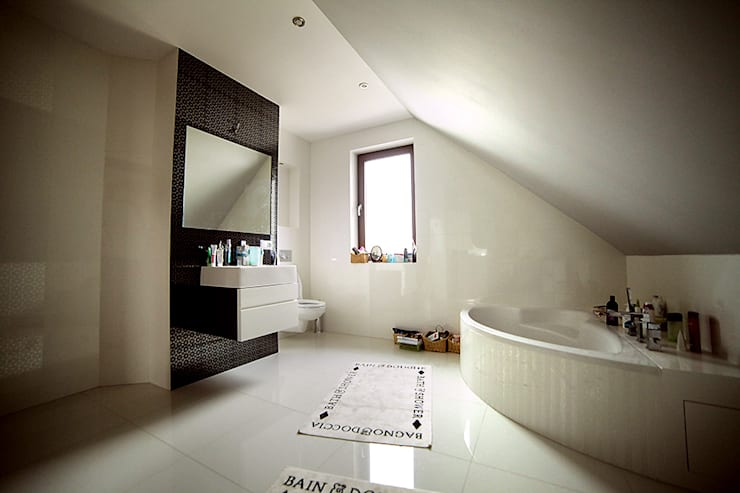 Phòng tắm by Biuro Projektów MTM Styl - domywstylu.pl