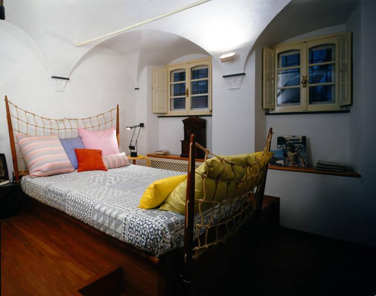 Dormitorios de estilo  de VITTORIO GARATTI ARCHITETTO
