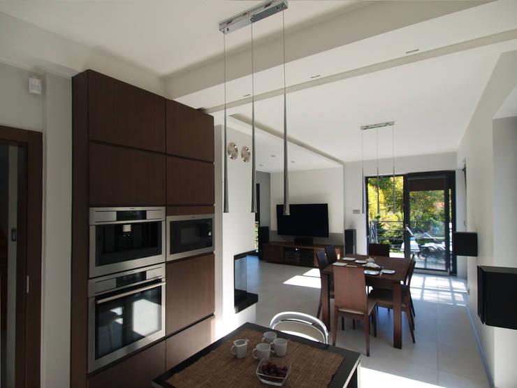 Dom Babidół: styl , w kategorii Kuchnia zaprojektowany przez Pracownia Projektowa Wioleta Stanisławska