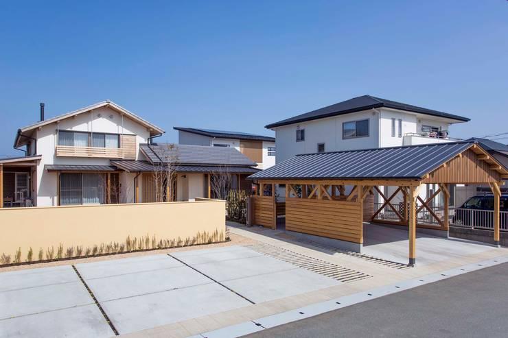 外観、アプローチ: shu建築設計事務所が手掛けた家です。