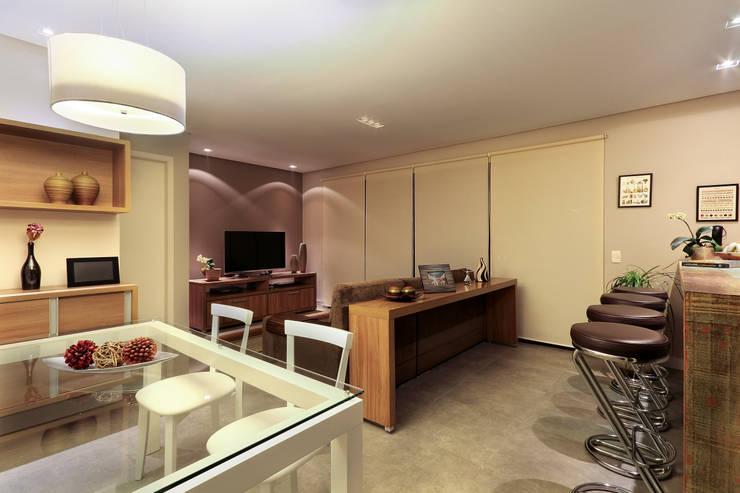 Apartamento Sumaré - SP: Salas de estar  por Juliana Conforto