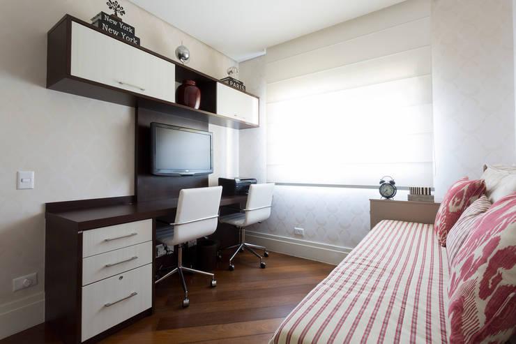 Estudios y oficinas de estilo  por Danielle Tassi Arquitetura e Interiores
