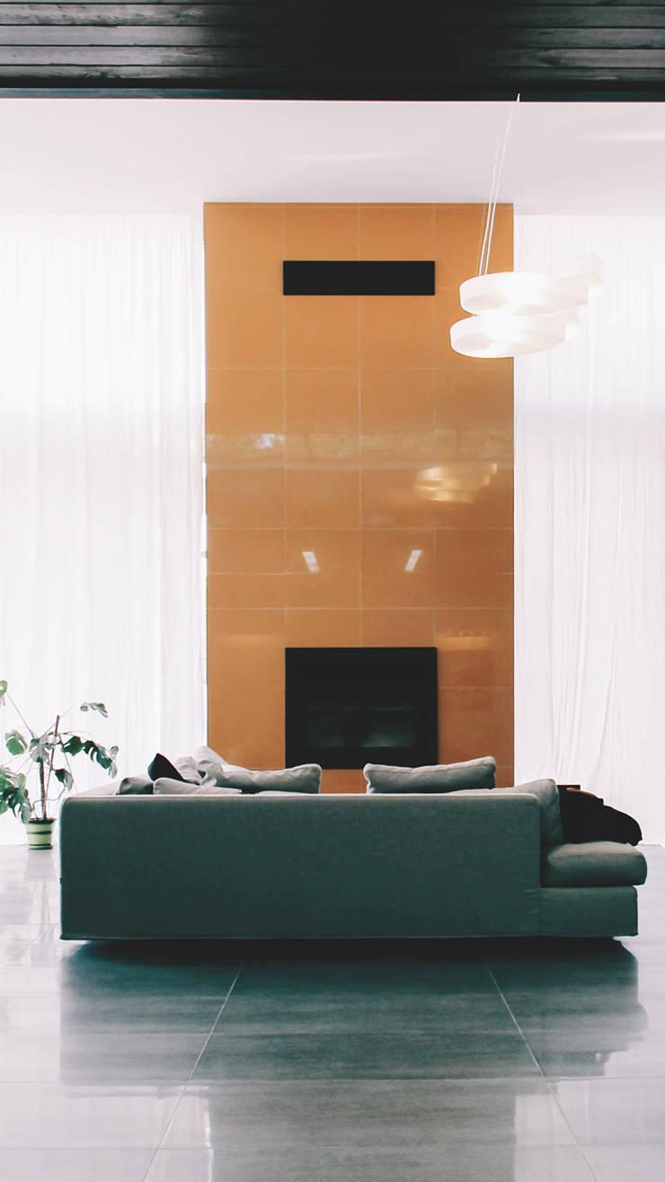 K–house: Гостиная в . Автор – Ivan Yurima Architects