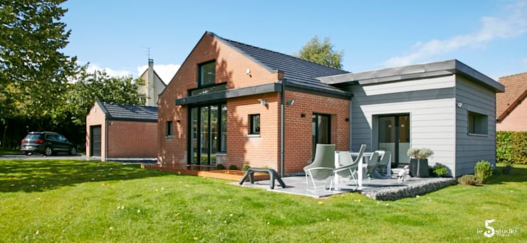 création d'une nouvelle terrasse: Maisons de style  par Emilie Bigorne, architecte d'intérieur CFAI
