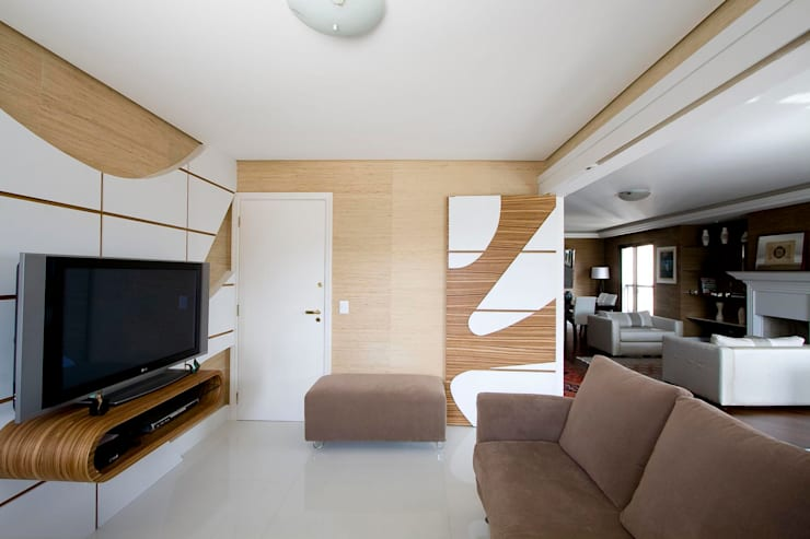 SPLASH – estar e home: Salas de estar  por studio luchetti,Moderno