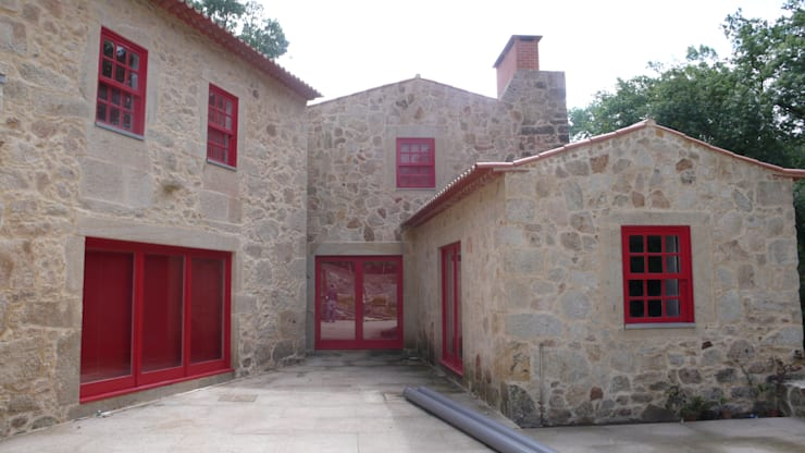 Casa da Azenha, Vila do Conde: Casas  por alcino soutinho arquitecto, lda