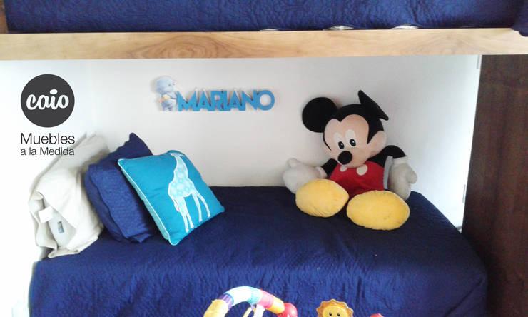 """Letrero """"Mariano"""" con personaje: Habitaciones infantiles de estilo  por Caio Espacios Infantiles"""