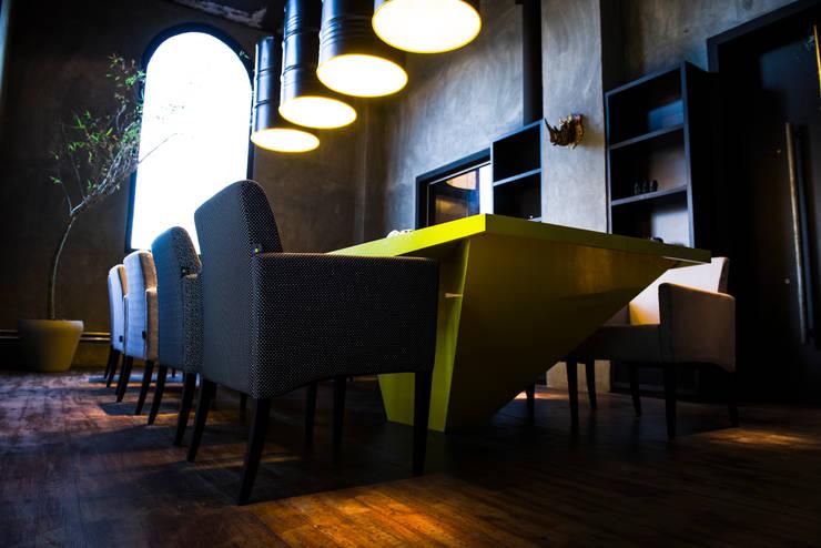 Projeto Corporativo: Escritórios  por Pulse Arquitetura