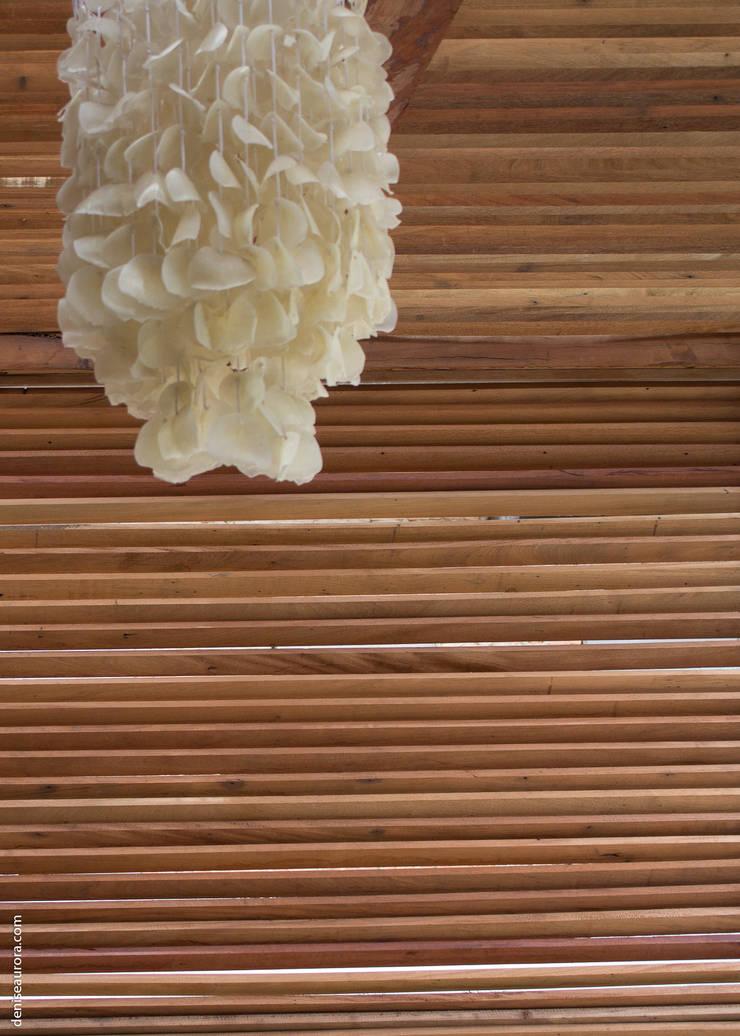 Casa Vila Campestre.: Paredes  por AURORA Arquitetura - Design 4 Stays