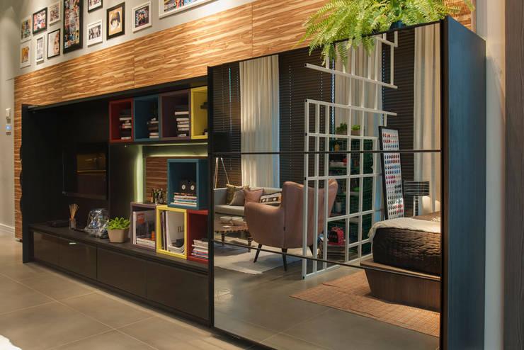 Loft : Escritórios  por Pulse Arquitetura,