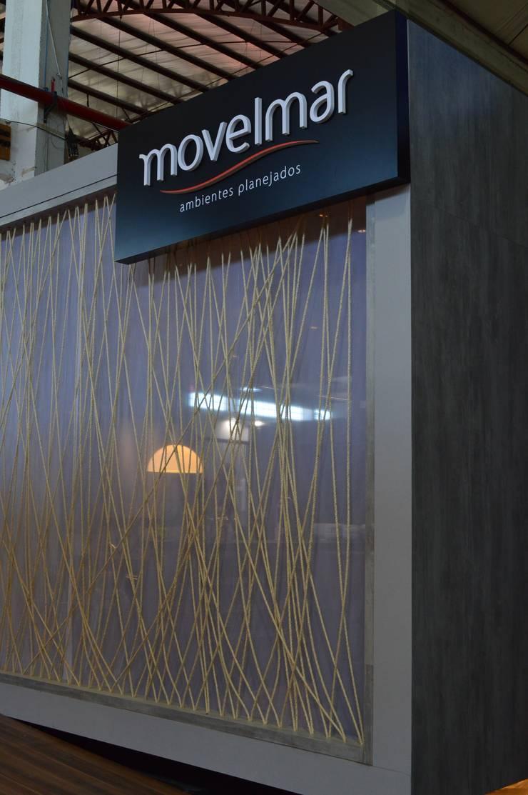 Show room – móveis planejados: Espaços comerciais  por Pulse Arquitetura,