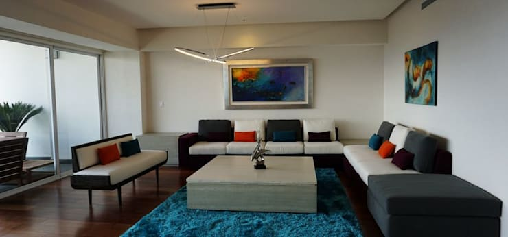 Salas de estilo moderno por Valeriano Villegas