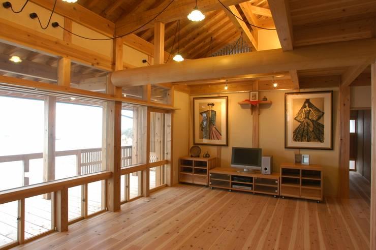.: 徳弘・松澤建築事務所が手掛けたリビングです。