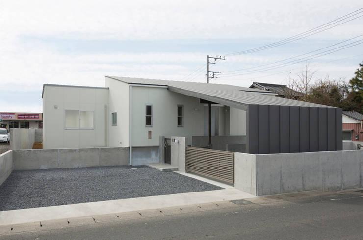 陽だまりの家: 有限会社 宮本建築アトリエが手掛けた家です。,
