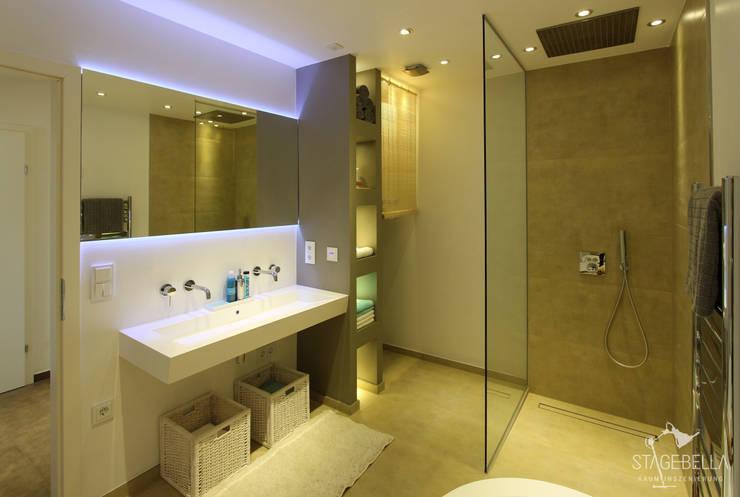 Badezimmer:   von StageBella