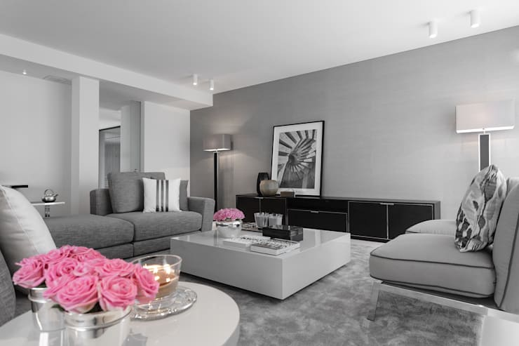 Living room by CASA MARQUES INTERIORES