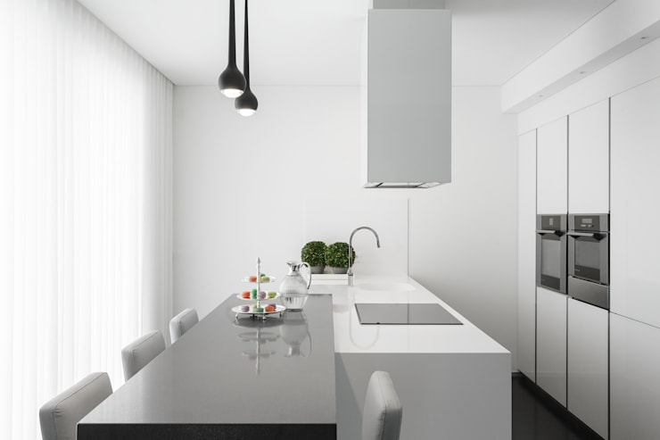 Kitchen by CASA MARQUES INTERIORES