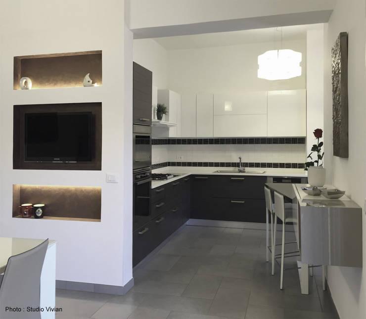 Casa P: Cucina in stile  di Studio Vivian