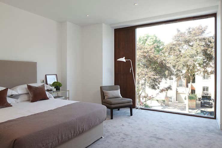 Macauley Road Townhouses, Clapham:  Bedroom by Squire and Partners