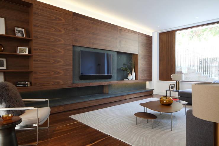 Salas de estar modernas por Squire and Partners