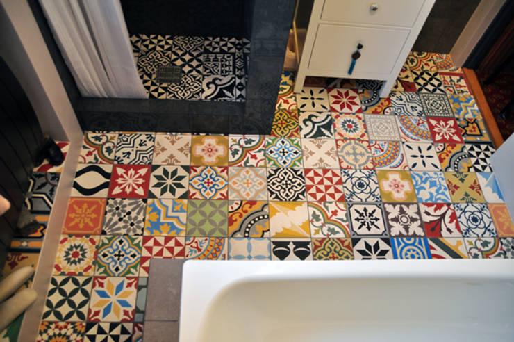 Marokkaanse cementtegels Articima Patchwork:  Badkamer door Articima, Mediterraan