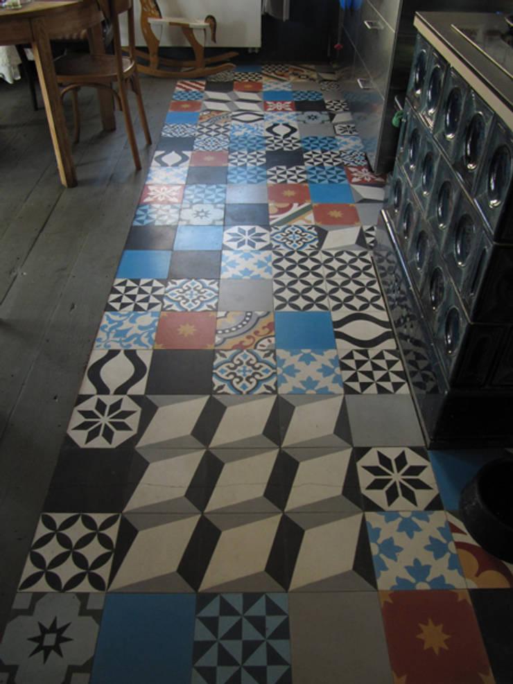 Marokkaanse cementtegels van Articima – Patchwork:  Keuken door Articima
