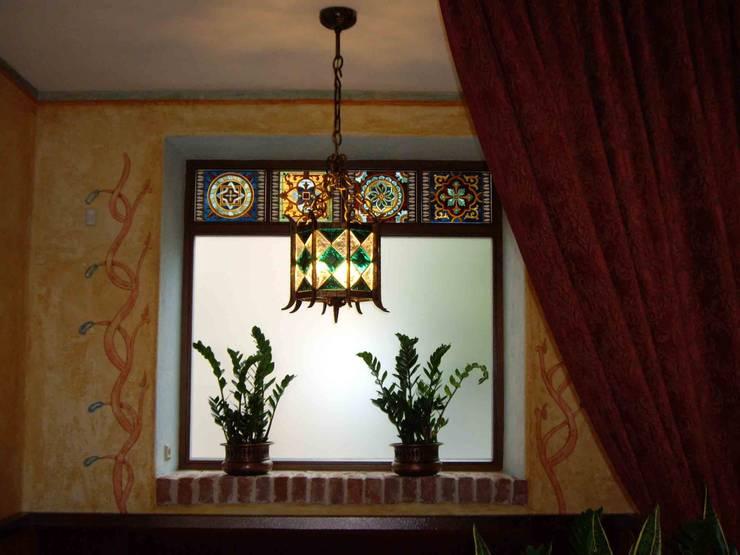 Оформление окна в ресторане.: Ресторации в . Автор –  Виктория Капитонова