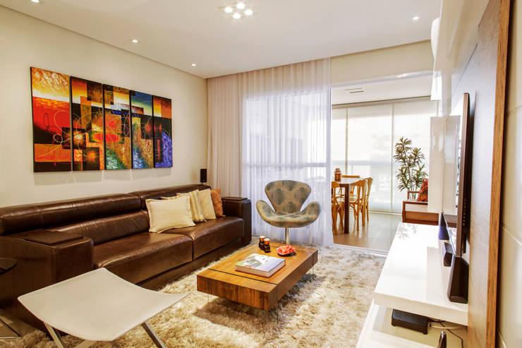 Home: Salas de estar modernas por PIÇARRA E BRITO