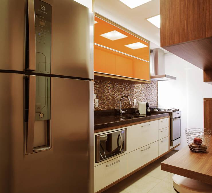 Cozinha: Cozinhas modernas por PIÇARRA E BRITO