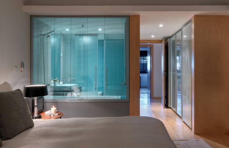 Apartamento Cascais: Quartos  por Silvia Costa    Arquitectura de Interiores