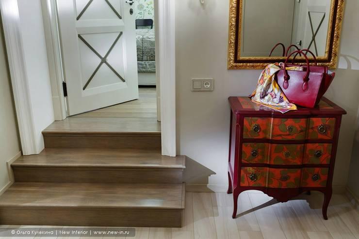 Трехкомнатная квартира в центре Петербурга в традиционном стиле : Коридор и прихожая в . Автор – Ольга Кулекина - New Interior