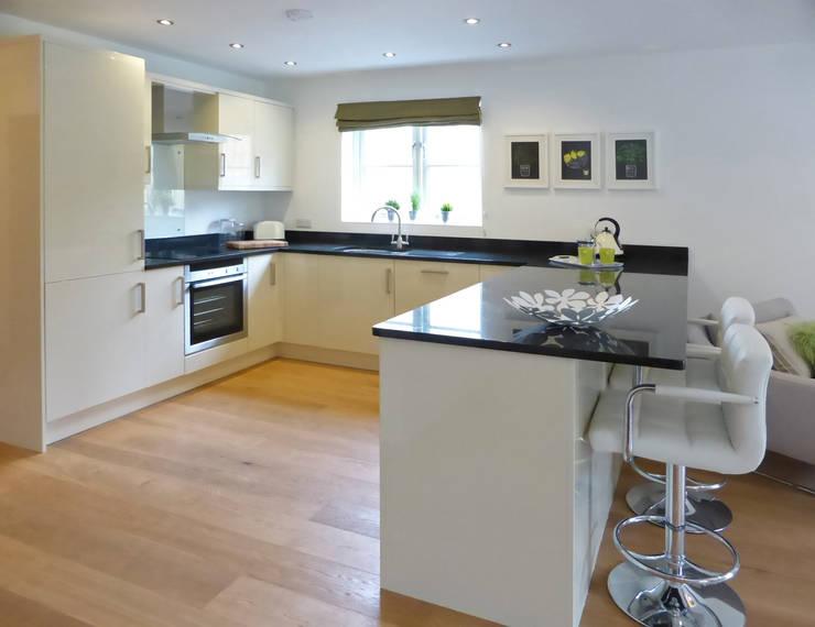 modern Kitchen by The Bazeley Partnership