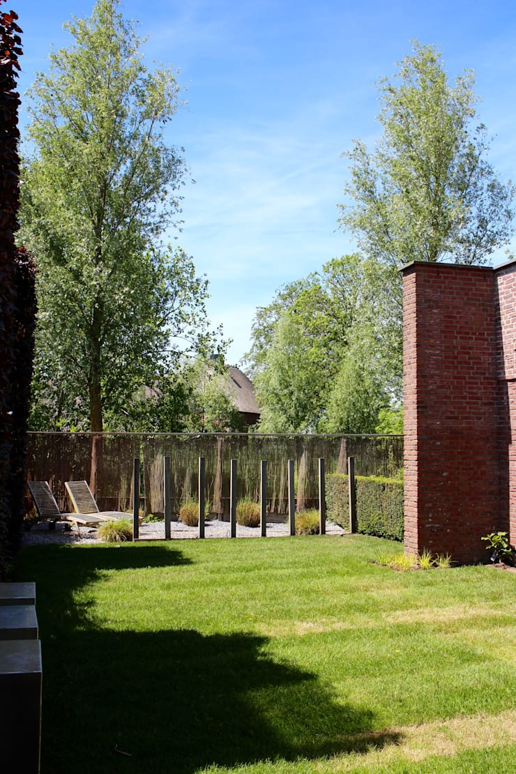 villatuin Utrecht:  Tuin door Buro Floris