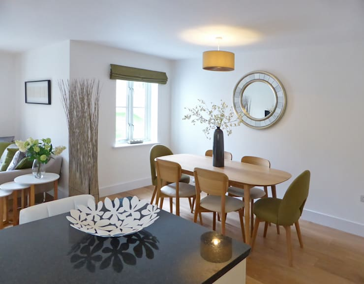 Church Mews, Hartland, Devon:  Dining room by The Bazeley Partnership