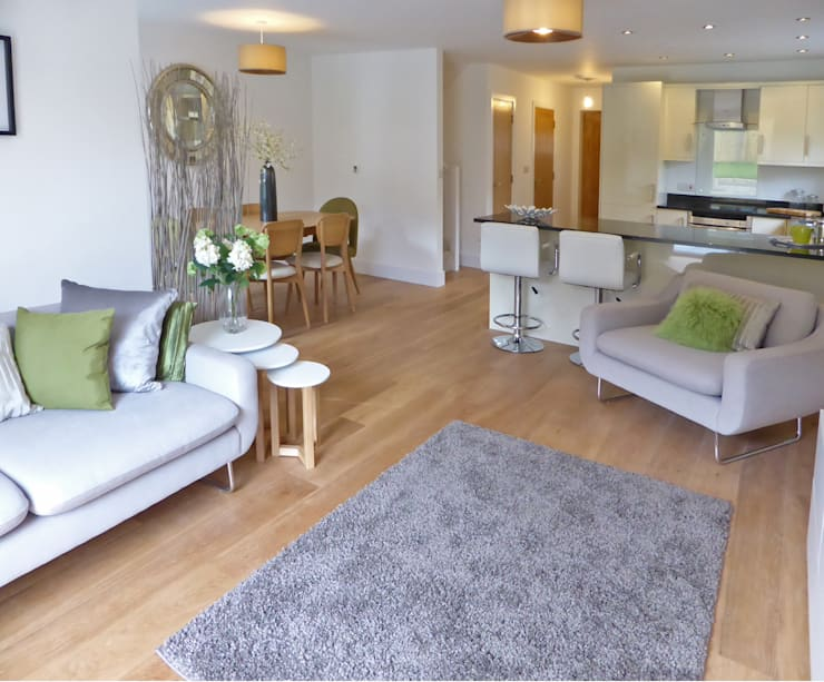 Church Mews, Hartland, Devon: modern Living room by The Bazeley Partnership