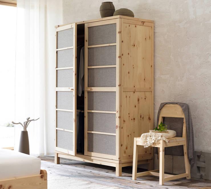 Camera da letto in stile in stile Eclettico di Grüne Erde GmbH