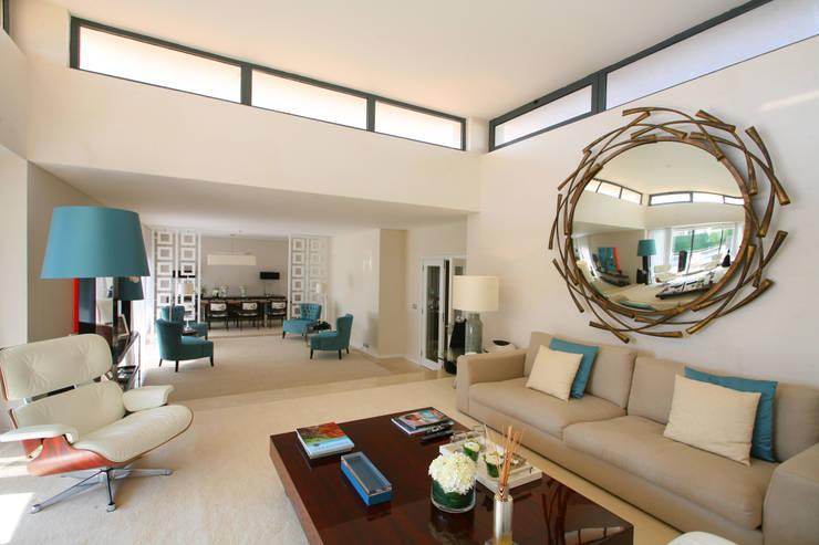 Casa Luanda: Salas de estar  por Silvia Costa |  Arquitectura de Interiores