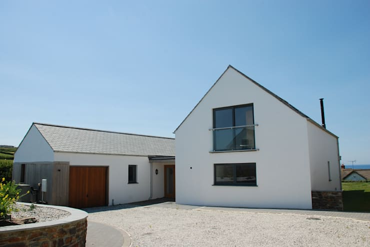 Outspan, Widemouth Bay, Cornwall: modern Houses by The Bazeley Partnership