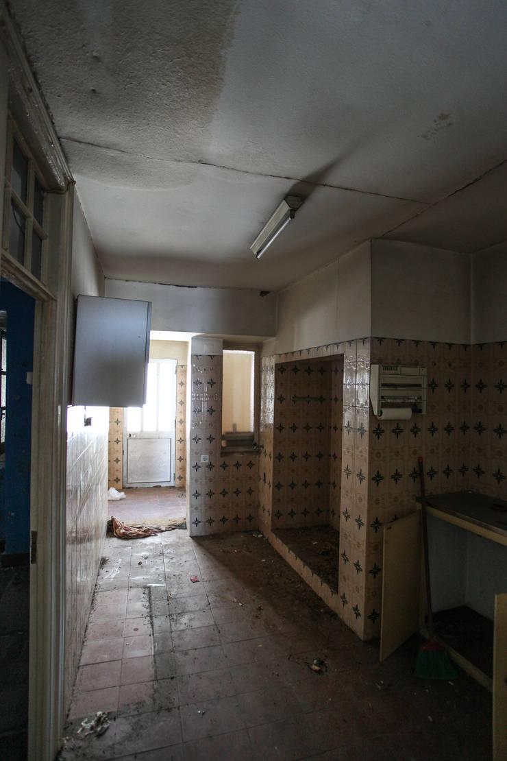 Remodelação de apartamento na Rua do Paraíso em Lisboa :   por António Alfarroba