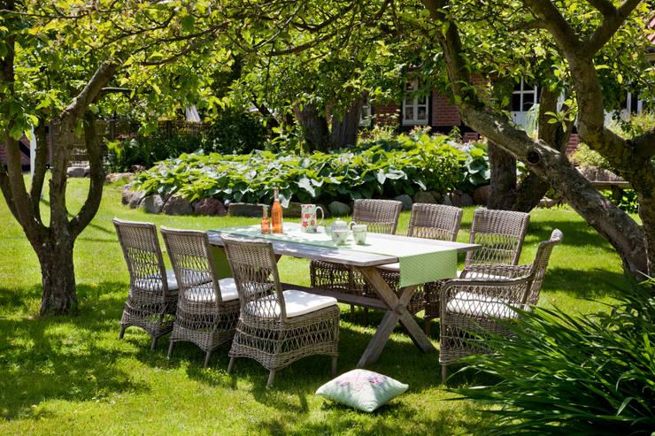 modèles Sika.Design: Jardin de style  par Myd-Zign