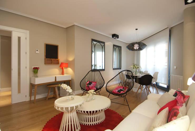 Proyecto de decoración de vivienda en Bilbao, Sube Susaeta Interiorismo - Sube Contract: Salones de estilo  de Sube Susaeta Interiorismo